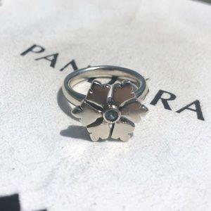 Rare Retired Pandora Silver Snowflake Ring